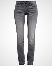 Wrangler DREW Straight leg jeans great grey
