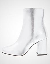 Miss Selfridge ADONI Støvletter metallic