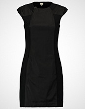 Khujo MARGRET Hverdagskjole black