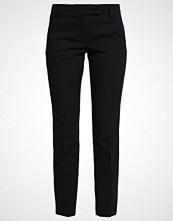 More & More Bukser black