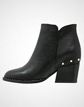 Stylesnob CLADENCE Ankelboots black
