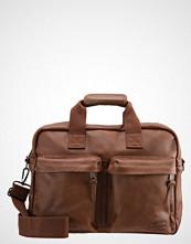 Eastpak TOMEC/LEATHER Skulderveske brownie leather