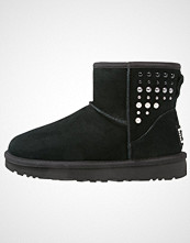 UGG Australia CLASSIC MINI PEARLS Støvletter black