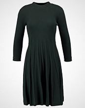 Jumperfabriken HENNA Strikket kjole green