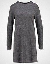 Opus WARSLEY Strikket kjole raven grey