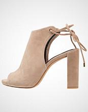 Kenneth Cole New York DARLA Sandaler med høye hæler cafe