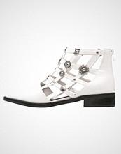 Eeight RAIN Ankelboots white/silver