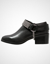 Eeight PAIGE Ankelboots black/silver