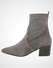Carvela SILKY Støvletter grey