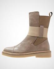 Shoeshibar BAM Støvletter taupe