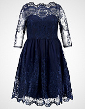 Chi Chi London Curvy GISELLE Cocktailkjole navy
