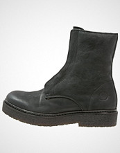 CASHOTT Snørestøvletter black