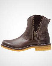 CASHOTT Støvletter brown