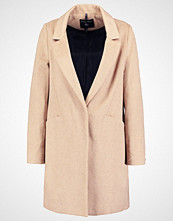 Dorothy Perkins Kort kåpe light brown