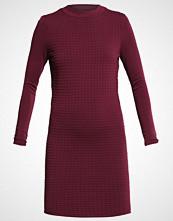 Yas YASSAGE Strikket kjole winetasting