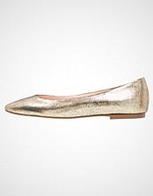 KIOMI Ballerina bronze