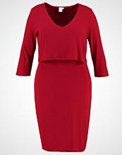 Lost Ink Plus Strikket kjole burgundy