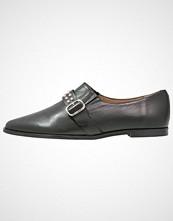 KMB Slippers black