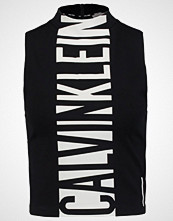 Calvin Klein Topper black