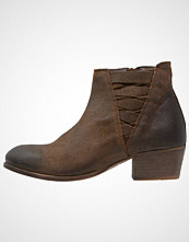 H by Hudson Ankelboots tobacco