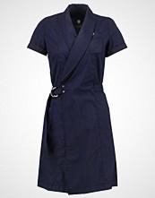 G-Star GStar RAW UTILITY WRAP DRESS Sommerkjole sartho blue/mazarine blue