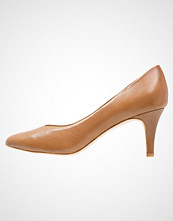 Pier One Klassiske pumps cognac