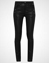 Cream Slim fit jeans pitch black
