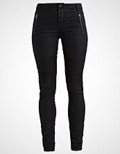 Cream DORRIT Slim fit jeans pitch black
