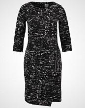 Culture DENIZE Strikket kjole black/cream