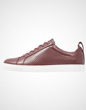 Whistles KENLEY PERFORATED TRAINER Joggesko oxblood