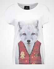 Saint Noir LITTLE FOX Tshirts med print white