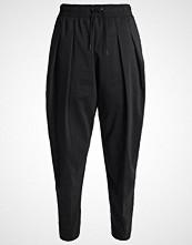 Nike Sportswear Treningsbukser black/white