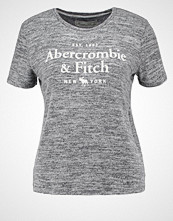 Abercrombie & Fitch LITTLE BOY Tshirts med print charcoal