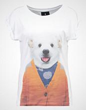 Saint Noir LITTLE POLAR BEAR Tshirts med print white
