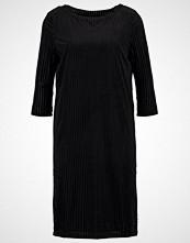 Selected Femme SFMARLA Jerseykjole black