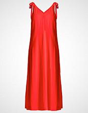 Selected Femme SFKLARA Fotsid kjole flame scarlet
