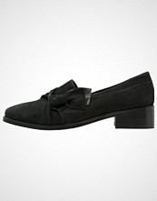KIOMI Slippers black
