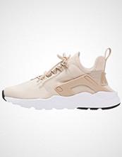 Nike Sportswear AIR HUARACHE RUN ULTRA Joggesko oatmeal/white/black
