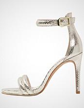 Kenneth Cole New York BROOKE Sandaler med høye hæler gold