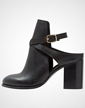 Miss Selfridge DARE Ankelboots black