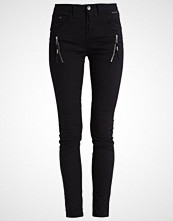 Cream BIBIANA  Slim fit jeans unwashed pitch black