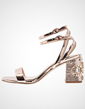 Miss Selfridge CHARM Sandaler gold
