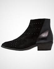 Pavement MILA Ankelboots black