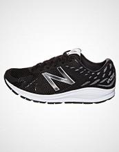New Balance VAZEE URGE Nøytrale løpesko black/white