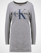 Calvin Klein DOVALINA  Jerseykjole grey