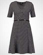 Wallis Strikket kjole black