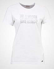 Napapijri SEVILLA Tshirts med print bright white