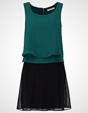 NAF NAF SHANNA NEW Sommerkjole malachite/black