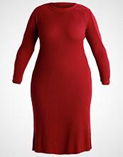 Lost Ink Plus Strikket kjole oxblood