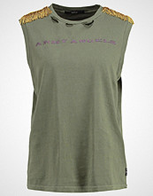 Replay Tshirts med print olive